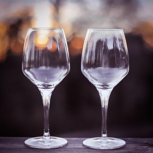 Två vinglas i kristall i serien FAME